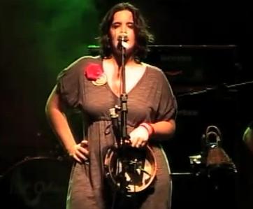 Alessandra Leão canta 'Não dê Desgosto' - Shows - TDM - 15/01/2011