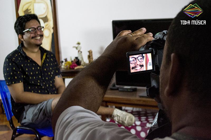Jean Santos fala sobre vídeoclipes no Toda Música. / Foto: Teresa Quesado